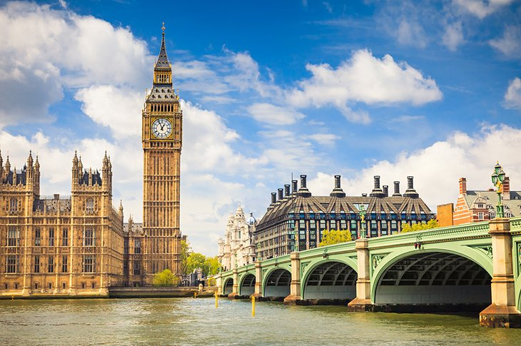 UK Study Visa Consultant in Amritsar